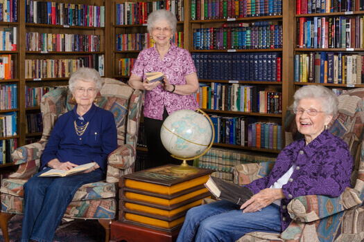 Library For Seniors in Roseville