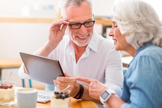 How to Make Technology Easier for Seniors in Rosville, CA