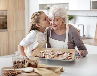 Tips to Celebrate Christmas with Your Aging Parent in Roseville, CA