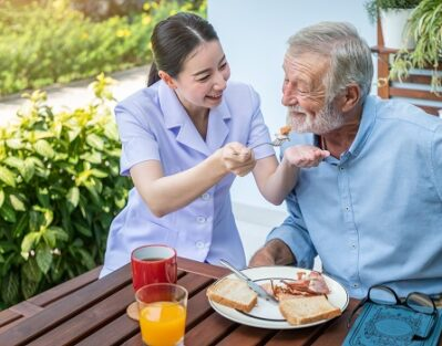 How to Tell What Level of Care Your Aging Loved One Needs in Roseville, CA