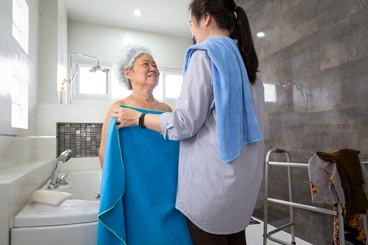 Tips for Bathing an Aging Loved One with Dementia in Roseville, CA