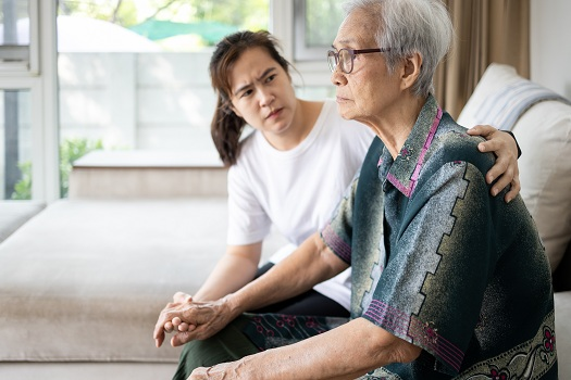 Ways for Caregivers when Parents with Alzheimer's Don't Recognize Them in Roseville, CA